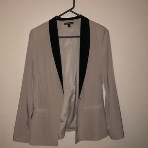 Express contrast colored blazer!
